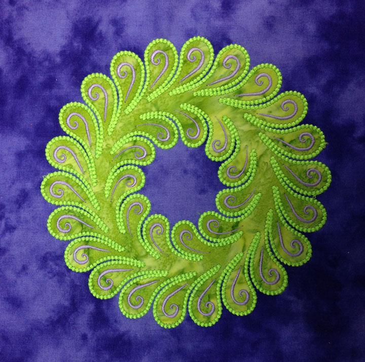 8_5-wreath-3-candle